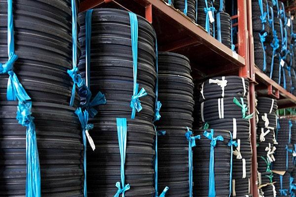 DKS Handel - Erfahrungsbericht des Reifenhändlers - Lager